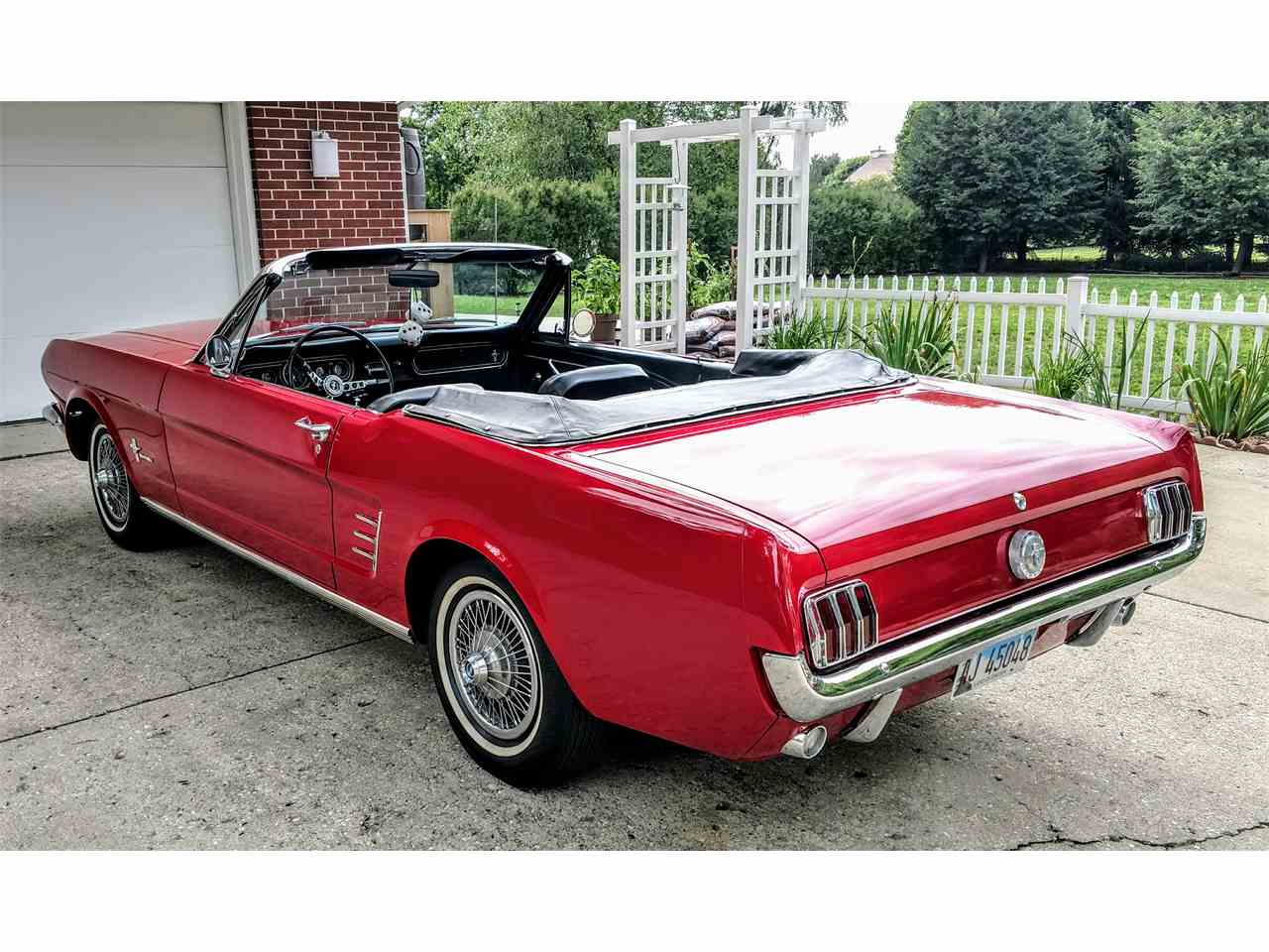 Large Picture of Classic 1966 Ford Mustang - LFP4