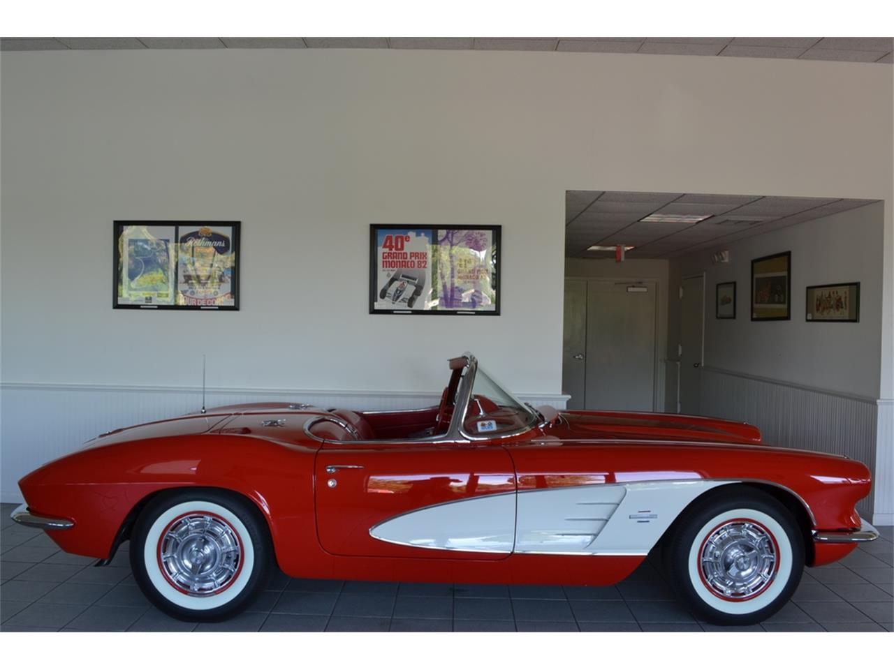 Large Picture of Classic '61 Corvette Offered by Aventura Motors - LGP0