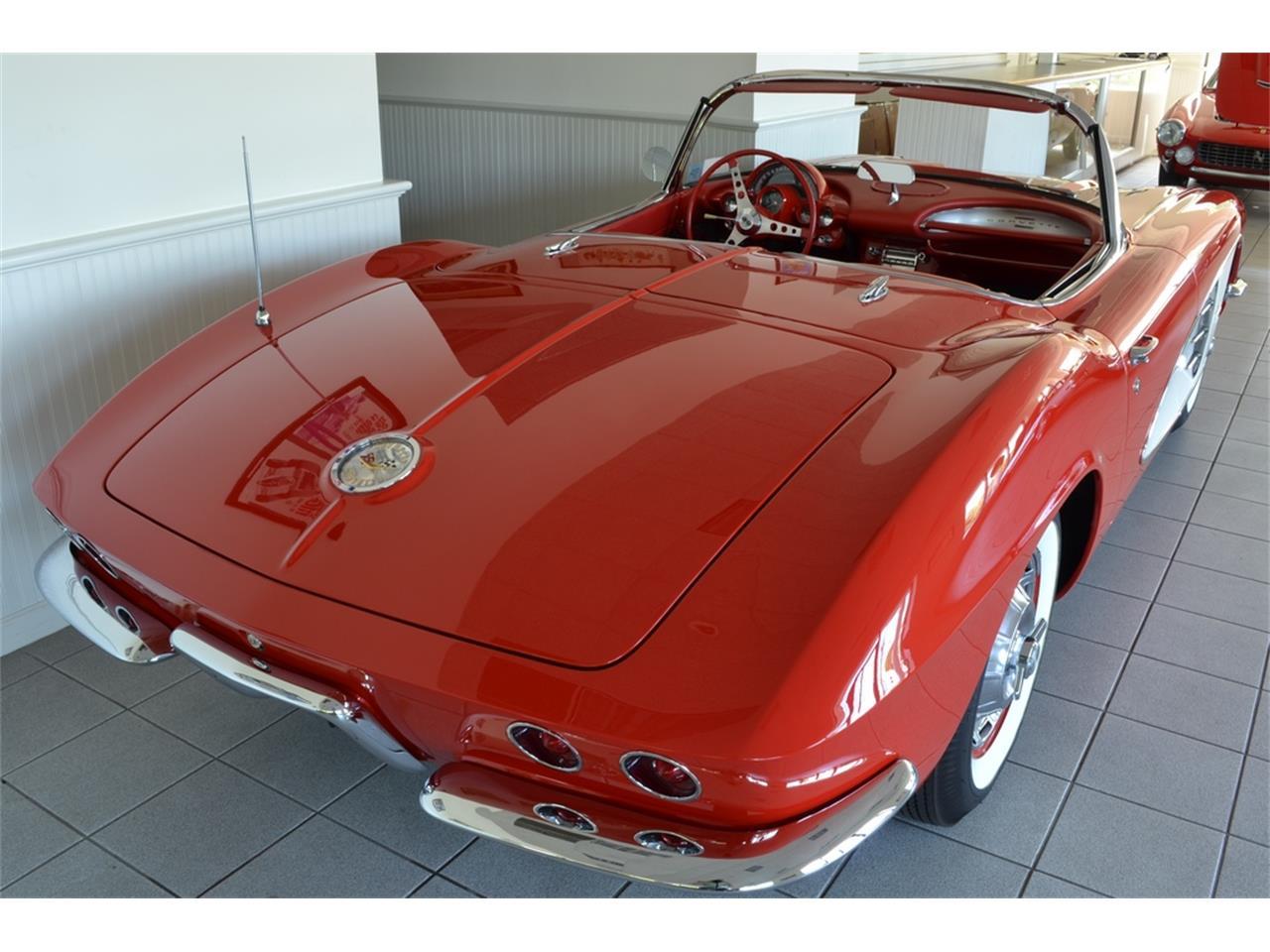 Large Picture of '61 Chevrolet Corvette - LGP0