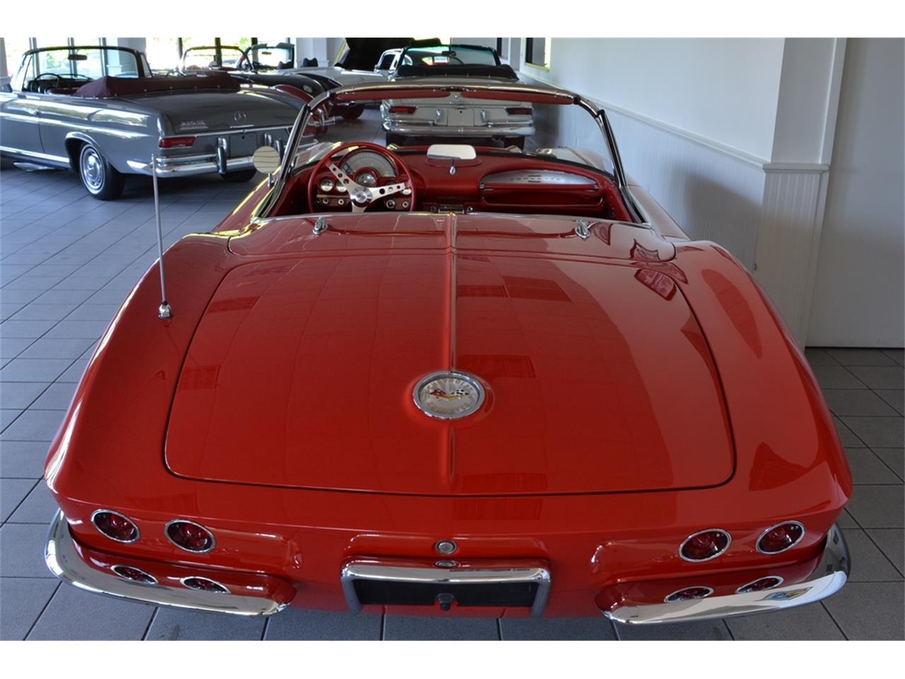 Large Picture of Classic 1961 Chevrolet Corvette located in New York Offered by Aventura Motors - LGP0