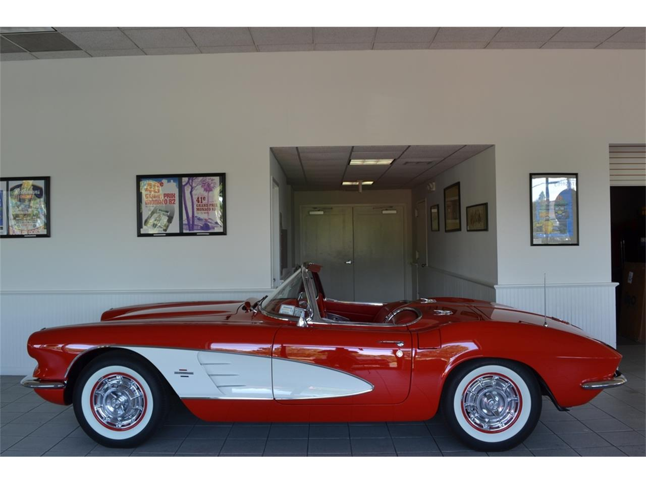 Large Picture of Classic '61 Corvette located in New York - LGP0