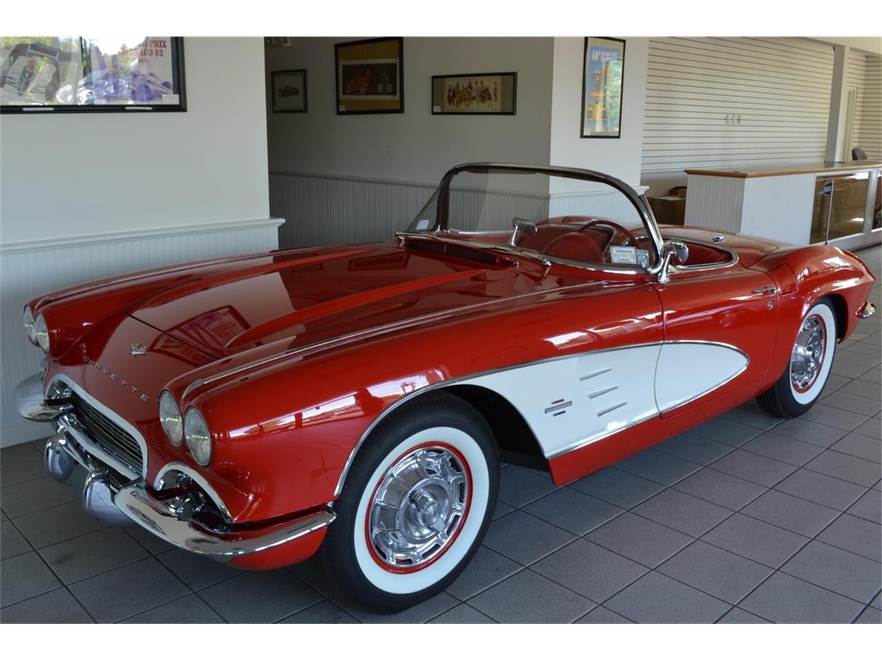 Large Picture of 1961 Corvette - LGP0