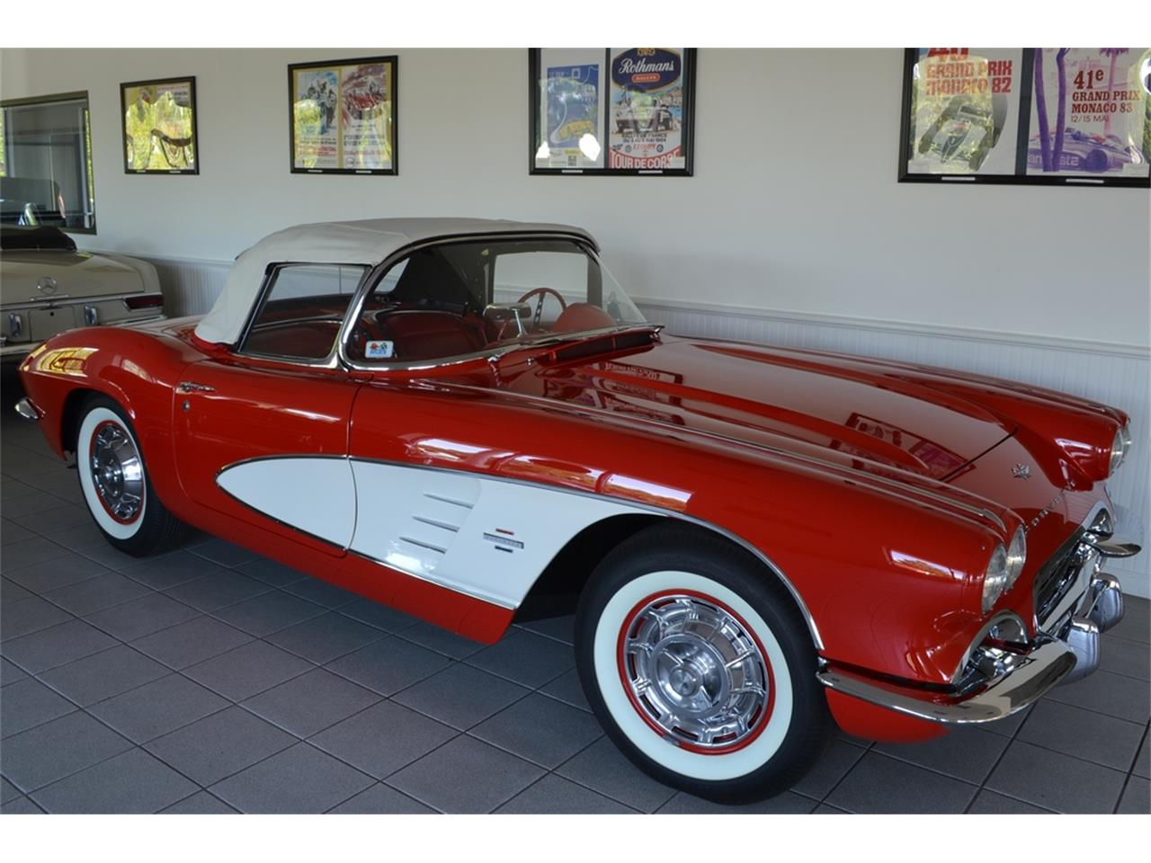 Large Picture of Classic 1961 Corvette - $99,999.00 - LGP0