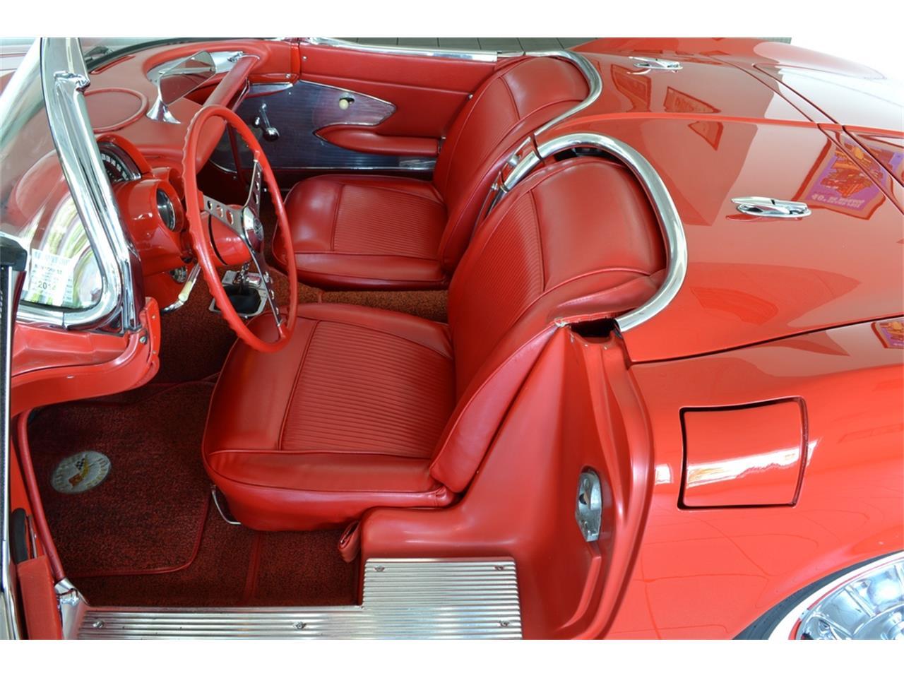 Large Picture of Classic 1961 Corvette - LGP0