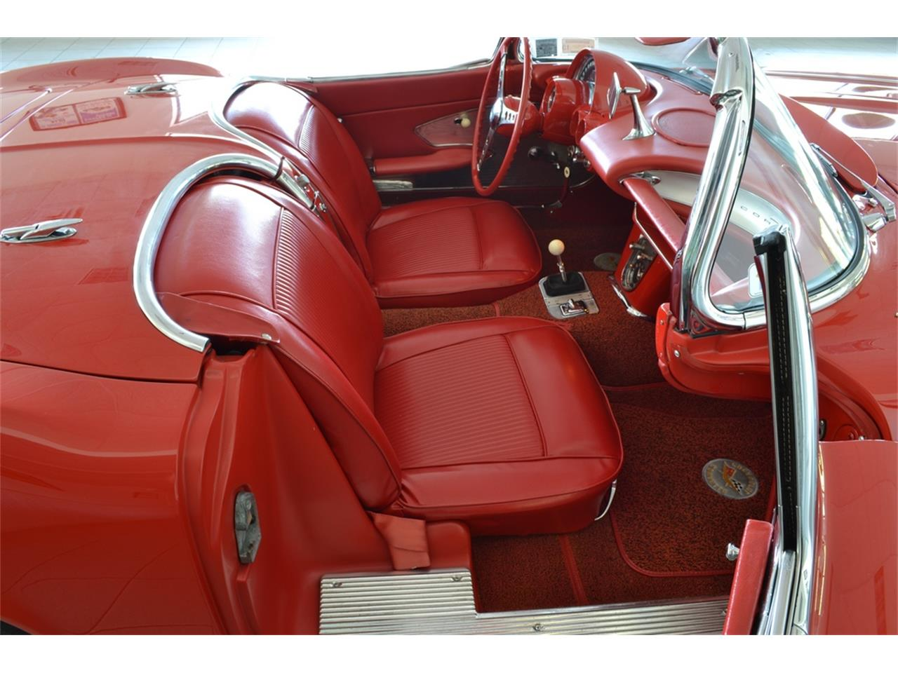 Large Picture of Classic '61 Chevrolet Corvette Offered by Aventura Motors - LGP0