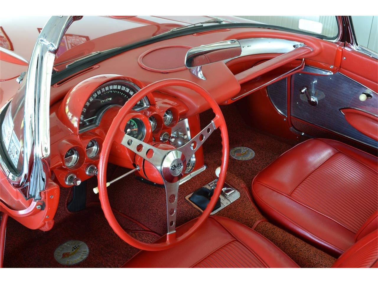 Large Picture of '61 Chevrolet Corvette located in New York Offered by Aventura Motors - LGP0