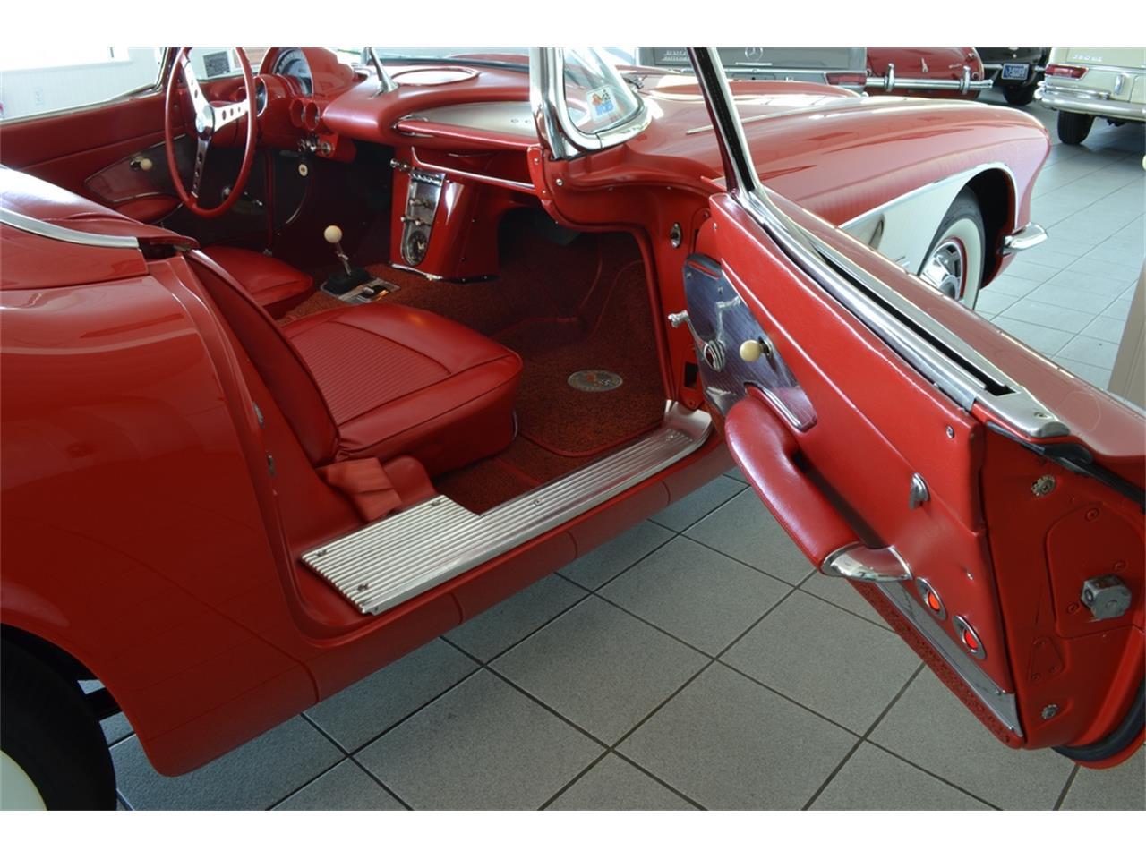 Large Picture of '61 Corvette - $99,999.00 - LGP0