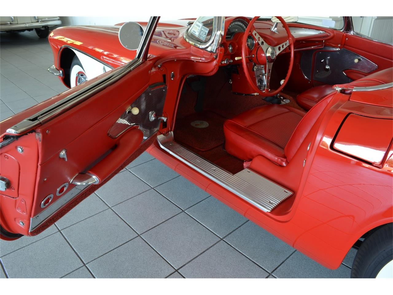 Large Picture of Classic '61 Chevrolet Corvette located in New York - LGP0