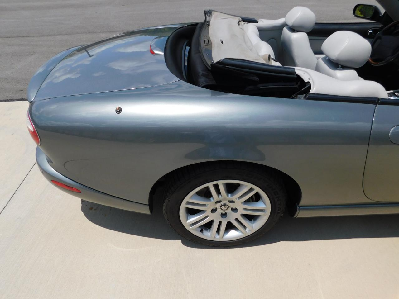 Large Picture of 2005 Jaguar XKR located in Alpharetta Georgia - $19,595.00 Offered by Gateway Classic Cars - Atlanta - LGSX