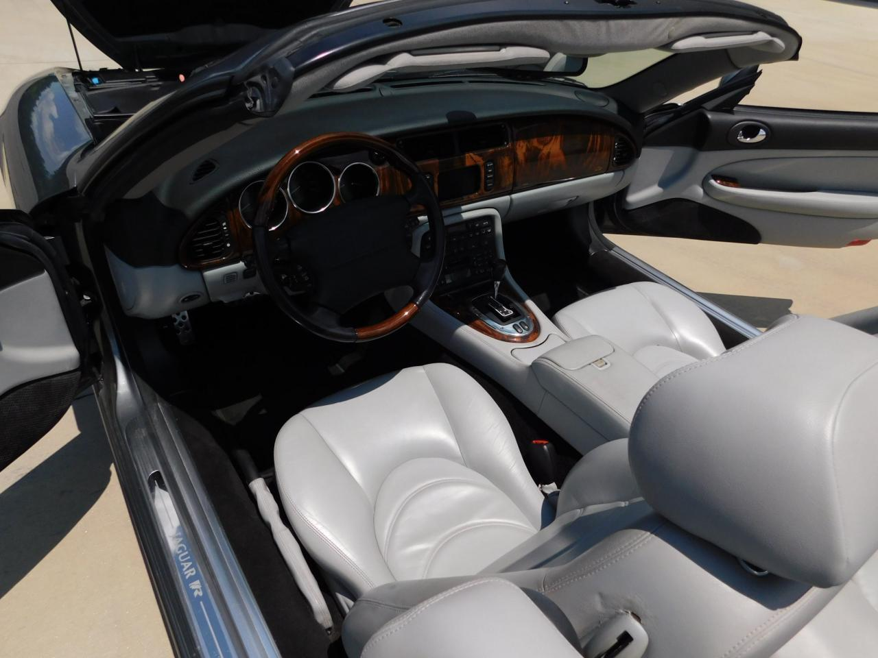 Large Picture of 2005 XKR located in Alpharetta Georgia - $19,595.00 Offered by Gateway Classic Cars - Atlanta - LGSX