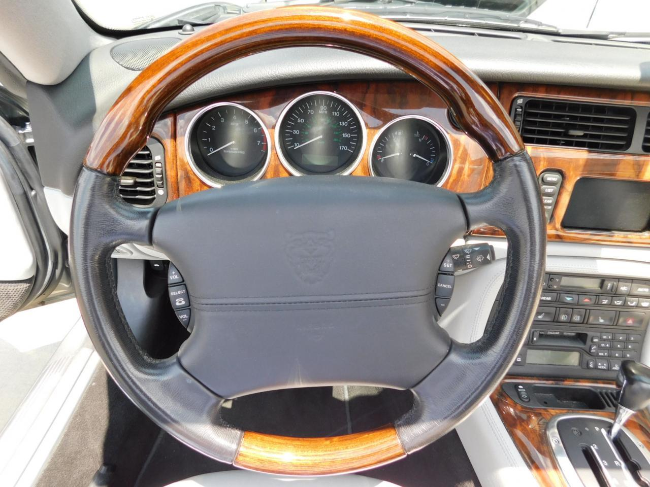 Large Picture of '05 Jaguar XKR located in Alpharetta Georgia - $19,595.00 - LGSX