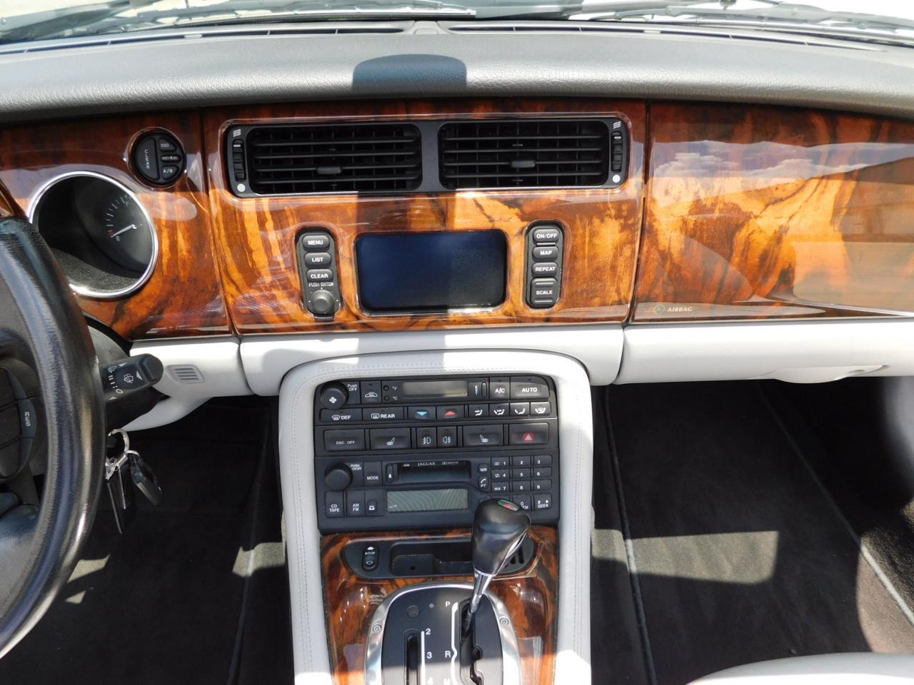 Large Picture of '05 Jaguar XKR - $19,595.00 - LGSX