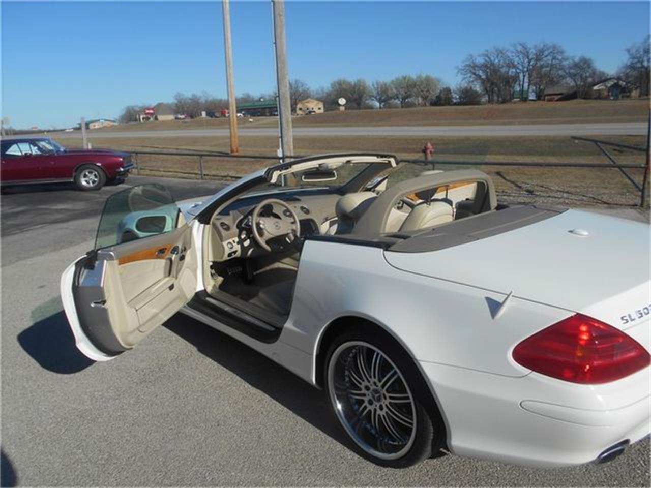 Large Picture of '06 Mercedes-Benz SL500 - $22,500.00 - LGTN