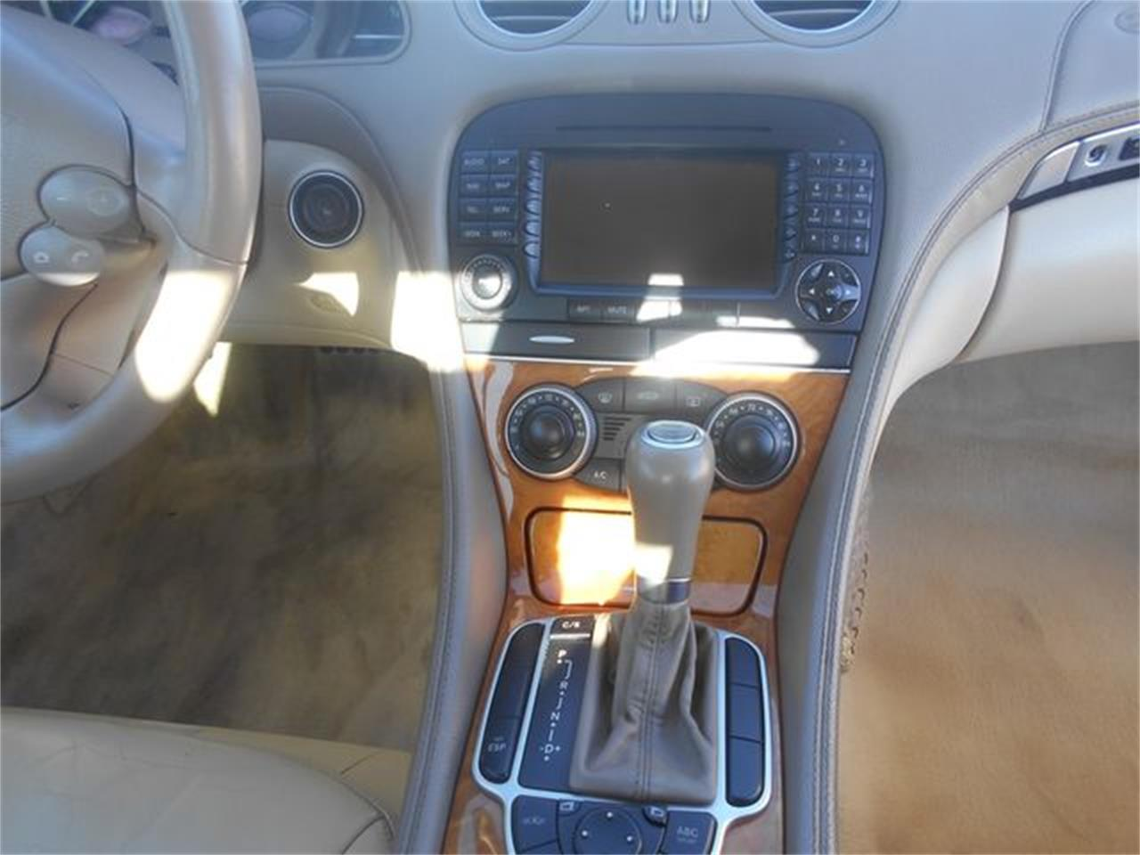 Large Picture of 2006 Mercedes-Benz SL500 located in Oklahoma Offered by Knippelmier Classics - LGTN
