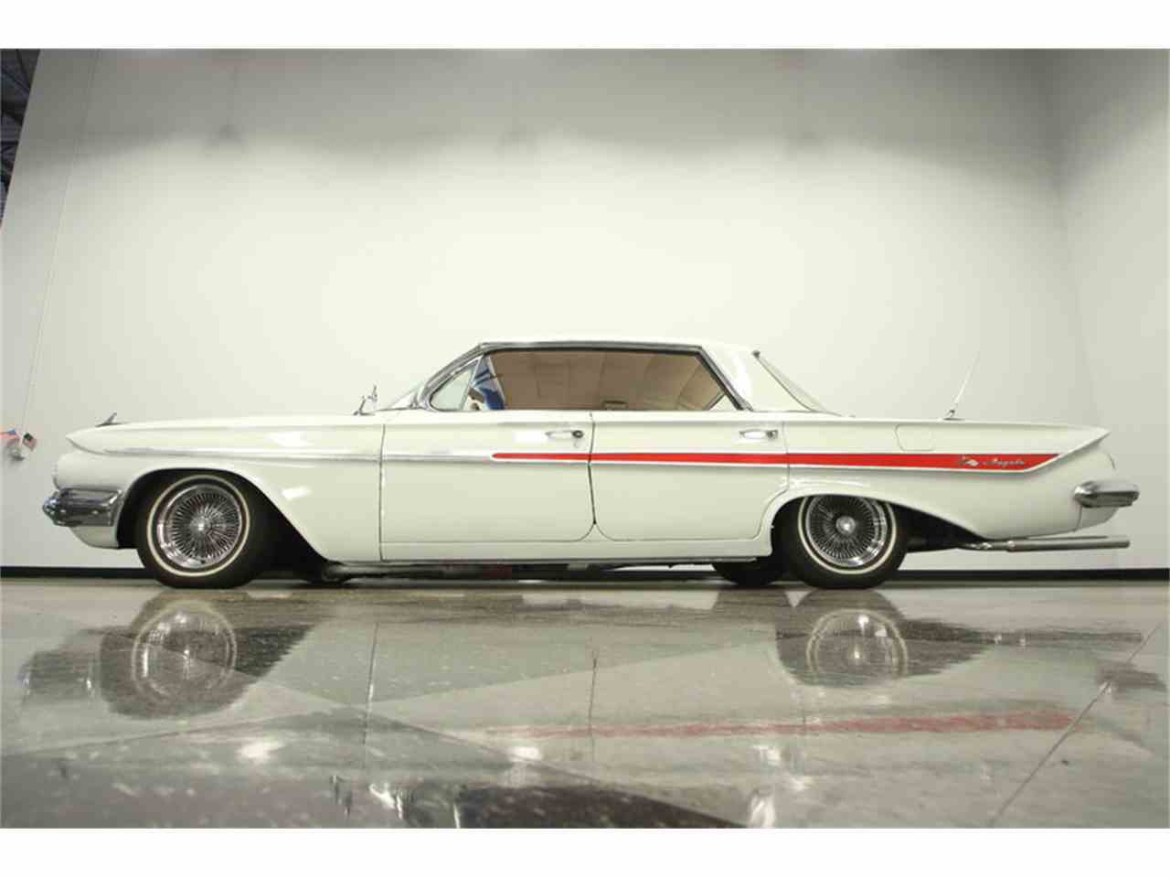 Large Picture of Classic '61 Chevrolet Impala located in Lutz Florida - LGUL