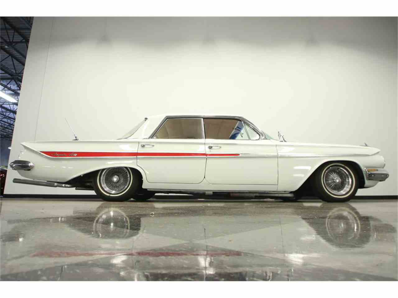 Large Picture of Classic 1961 Chevrolet Impala located in Florida - LGUL