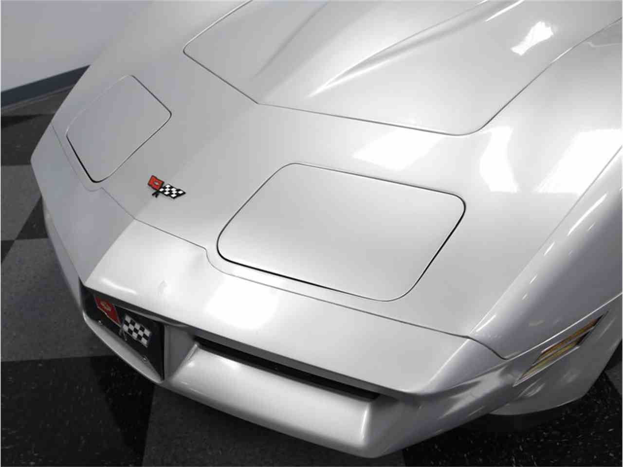 Large Picture of '82 Chevrolet Corvette - $18,995.00 - LGV9