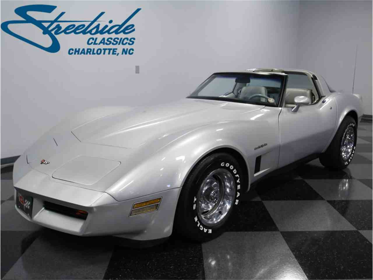 Large Picture of 1982 Chevrolet Corvette - LGV9