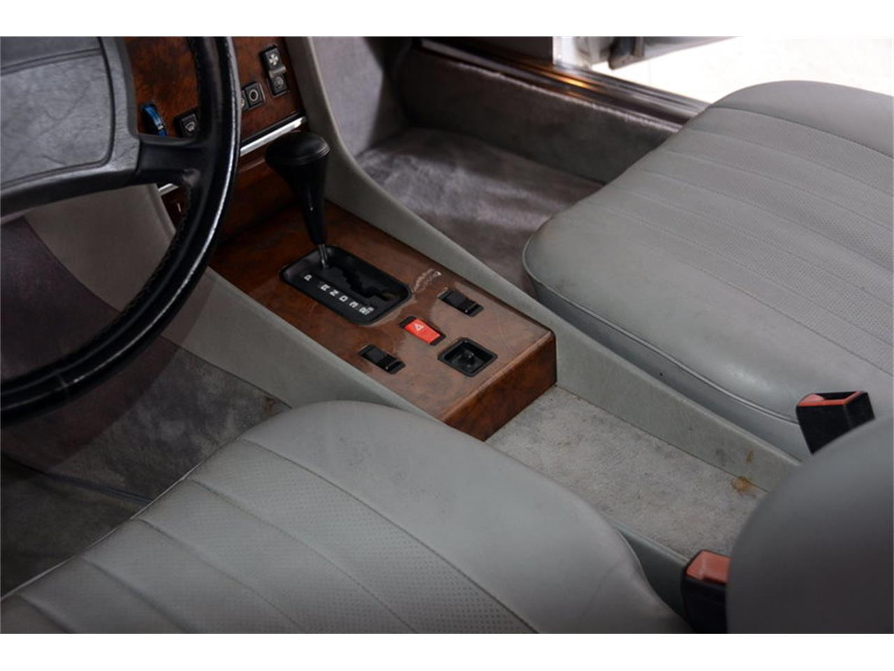 Large Picture of 1986 560SL located in Illinois - $16,998.00 Offered by Volo Auto Museum - LGVM