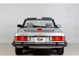 Picture of '86 Mercedes-Benz 560SL - $16,998.00 Offered by Volo Auto Museum - LGVM
