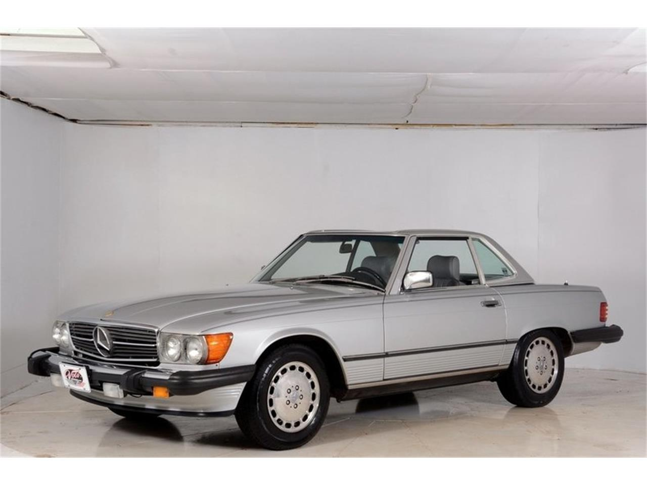 Large Picture of 1986 560SL Offered by Volo Auto Museum - LGVM