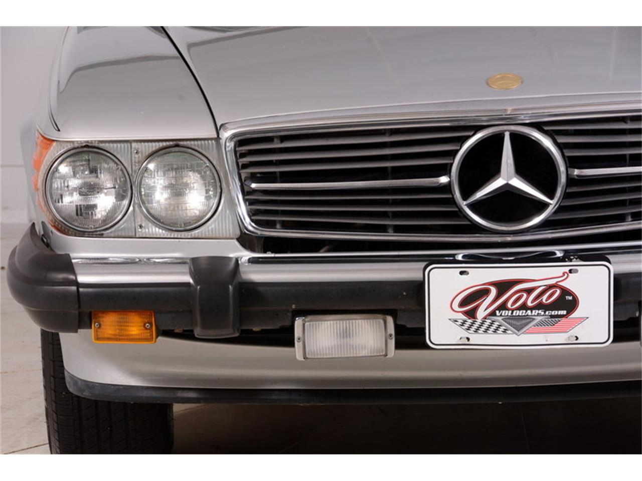Large Picture of 1986 560SL located in Volo Illinois - $16,998.00 Offered by Volo Auto Museum - LGVM