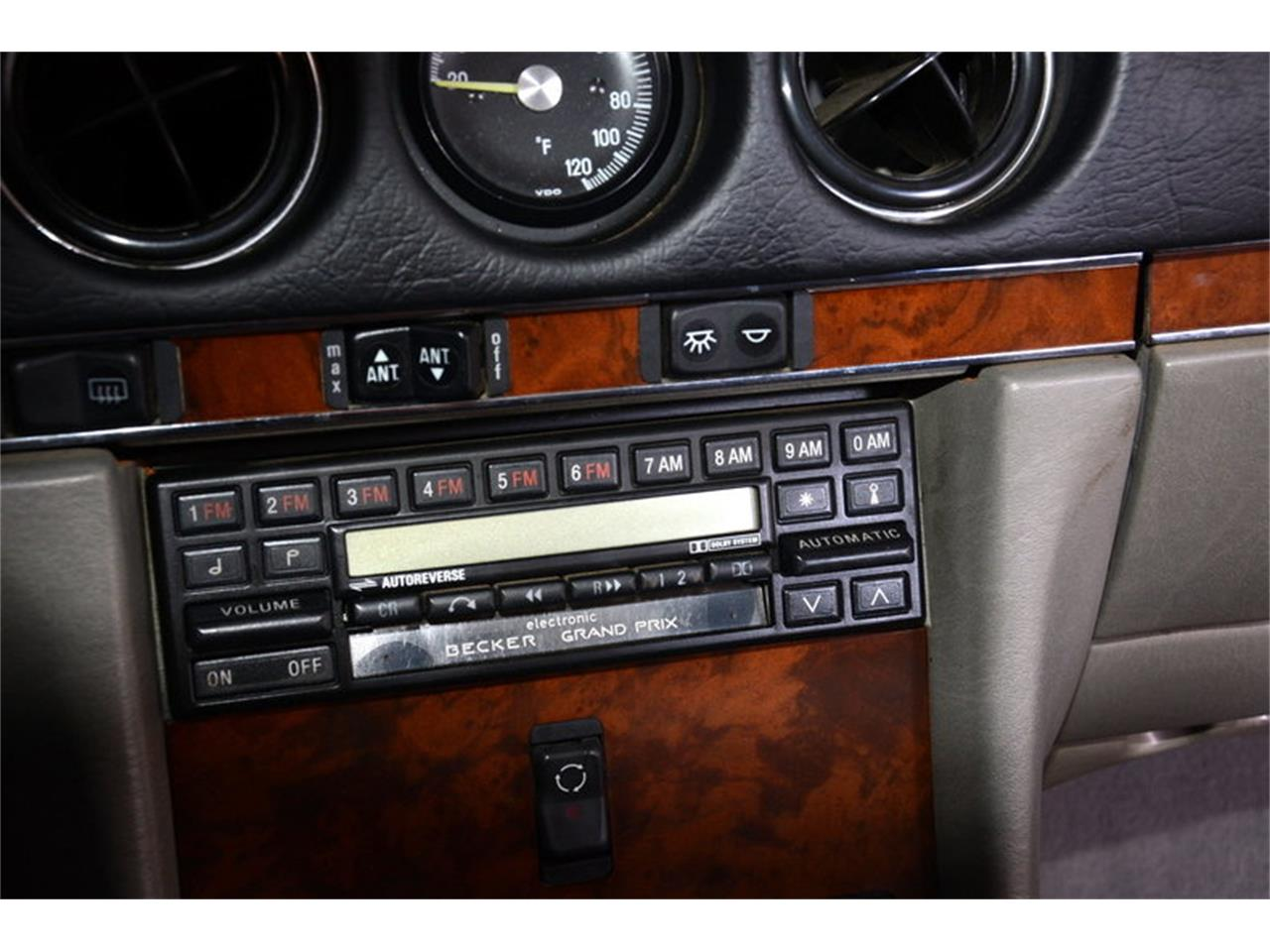 Large Picture of 1986 Mercedes-Benz 560SL located in Illinois - $16,998.00 Offered by Volo Auto Museum - LGVM