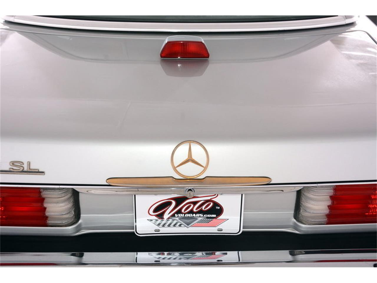 Large Picture of 1986 Mercedes-Benz 560SL located in Volo Illinois Offered by Volo Auto Museum - LGVM