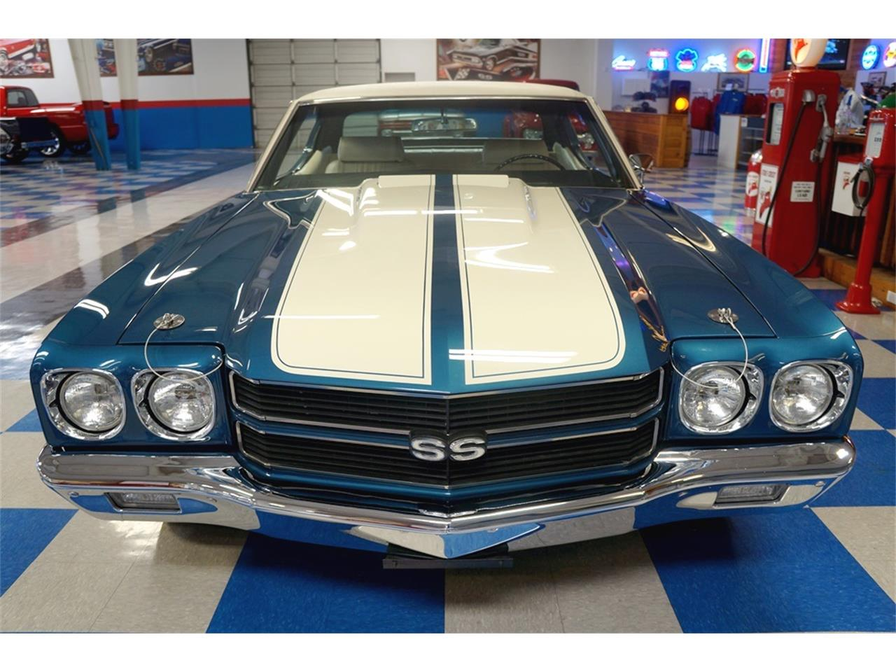Large Picture of '70 Chevelle - LGXV