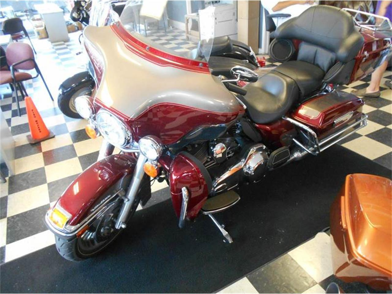 Large Picture of 2009 Electra Glide located in Kansas Offered by All American Auto Mart Inc - LH24