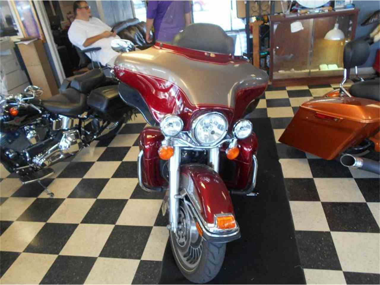 Large Picture of '09 Electra Glide - LH24