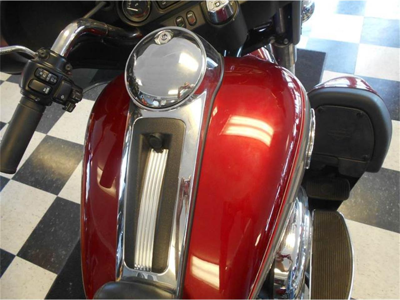 Large Picture of 2009 Electra Glide located in Olathe Kansas Offered by All American Auto Mart Inc - LH24