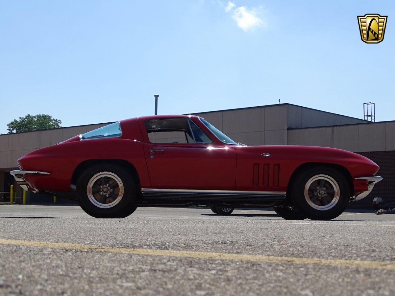 Large Picture of Classic '66 Corvette Offered by Gateway Classic Cars - Detroit - LH96