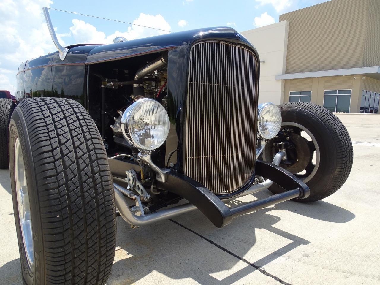 Large Picture of '32 Ford Roadster located in Texas - $22,595.00 - LH9C