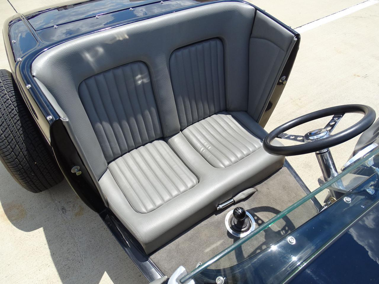 Large Picture of 1932 Ford Roadster located in DFW Airport Texas - $22,595.00 - LH9C