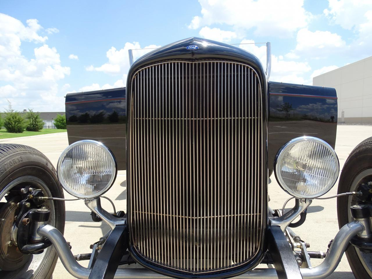 Large Picture of 1932 Roadster - LH9C