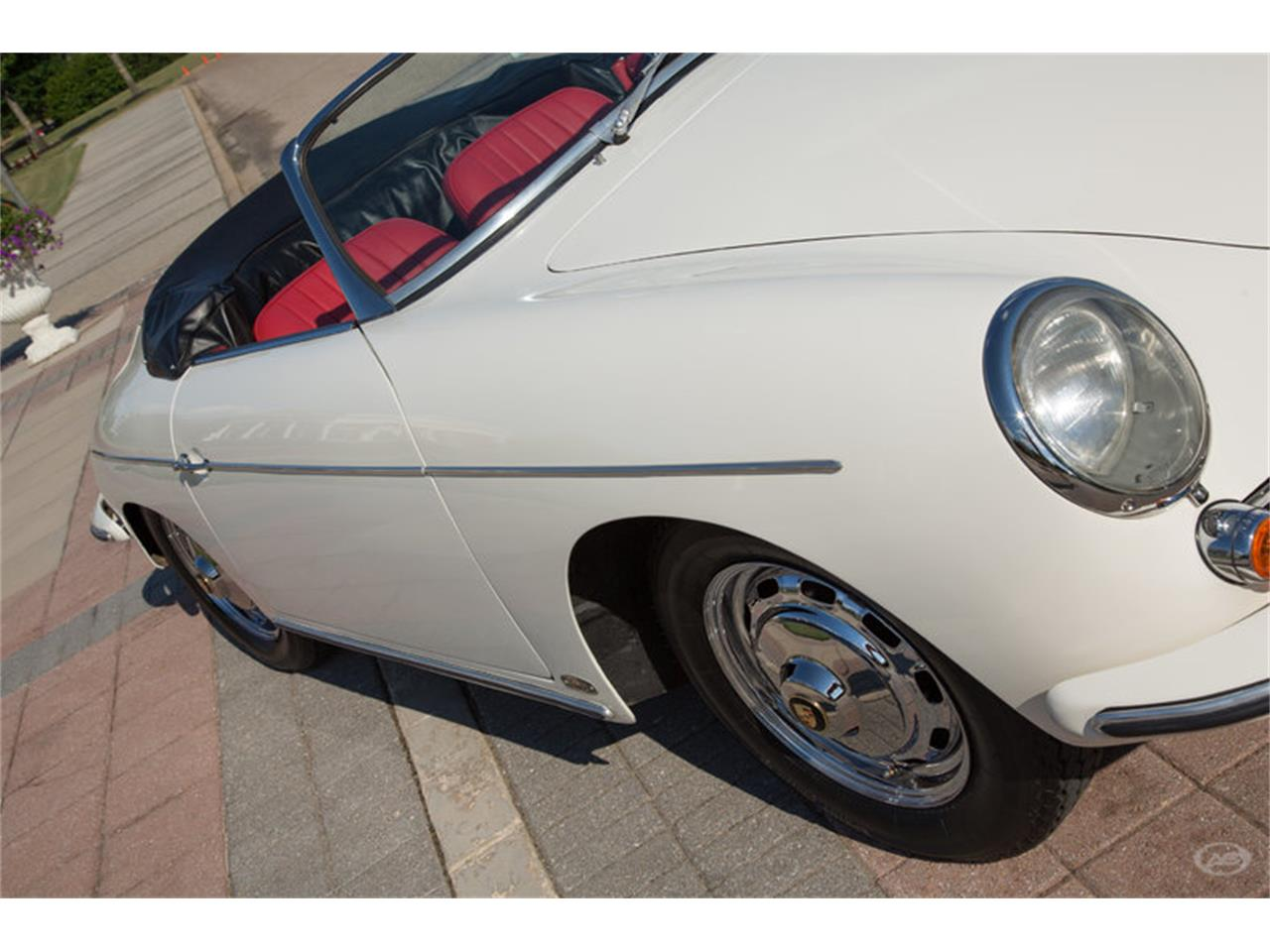 Large Picture of Classic '61 Porsche 356B located in Collierville Tennessee - LHC5