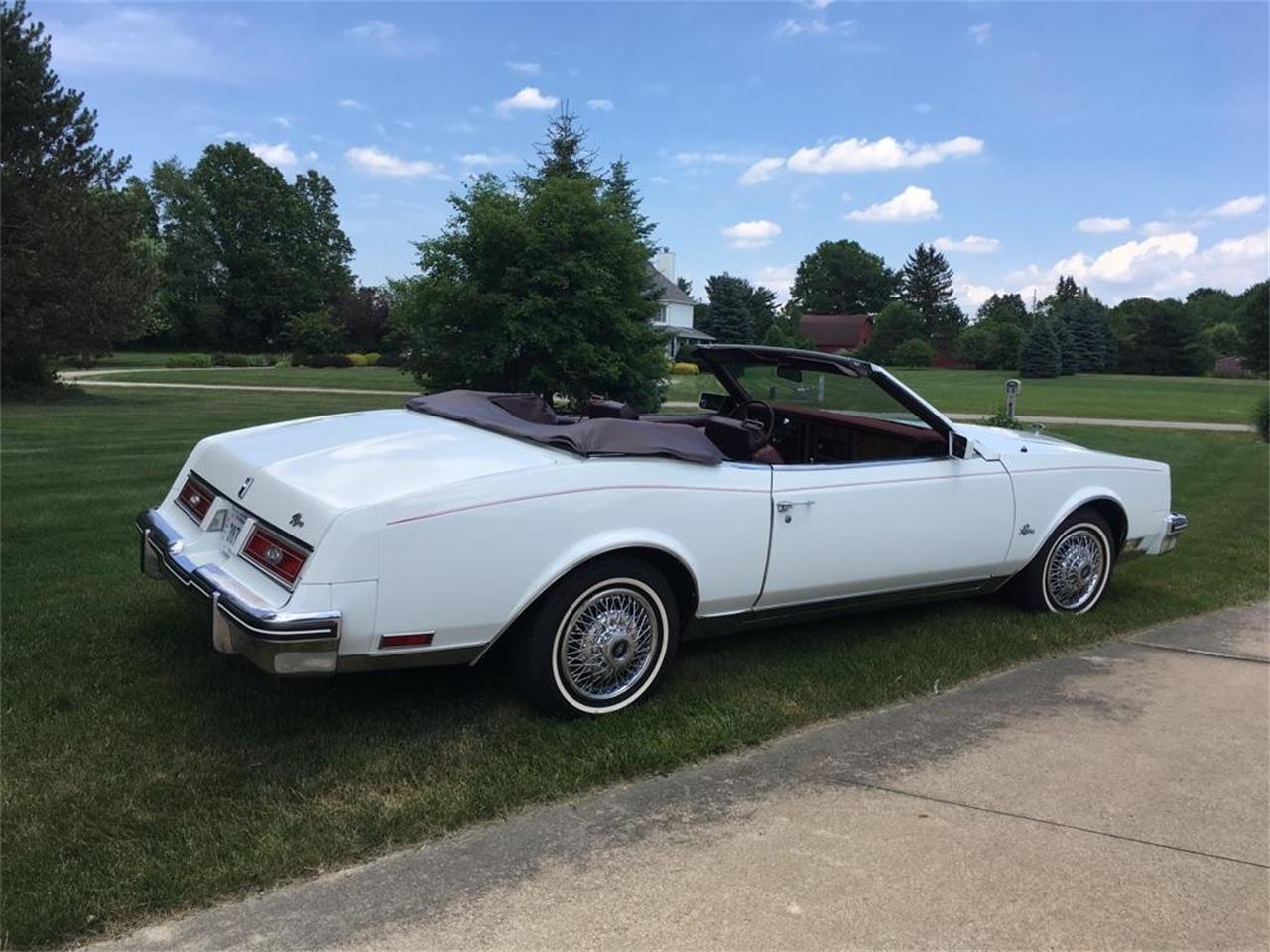 Large Picture of '83 Riviera located in Wadsworth Ohio - $14,000.00 Offered by a Private Seller - LHEX