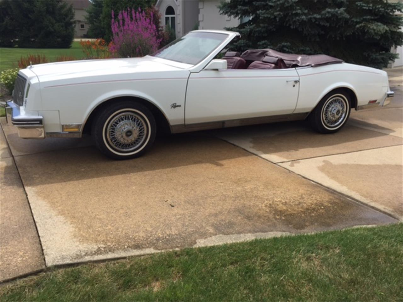 Large Picture of 1983 Buick Riviera located in Wadsworth Ohio - $14,000.00 Offered by a Private Seller - LHEX