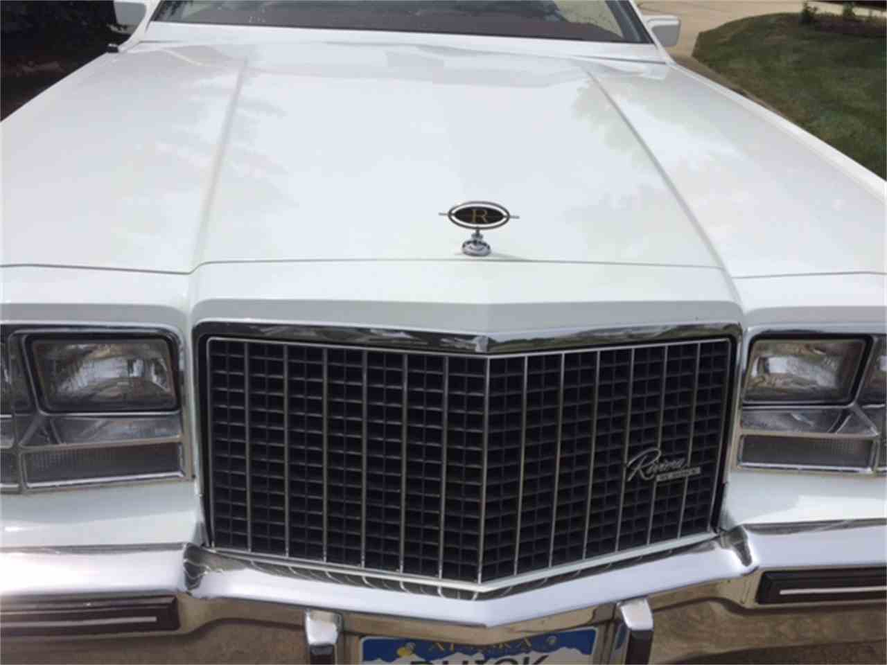 Large Picture of '83 Riviera - LHEX