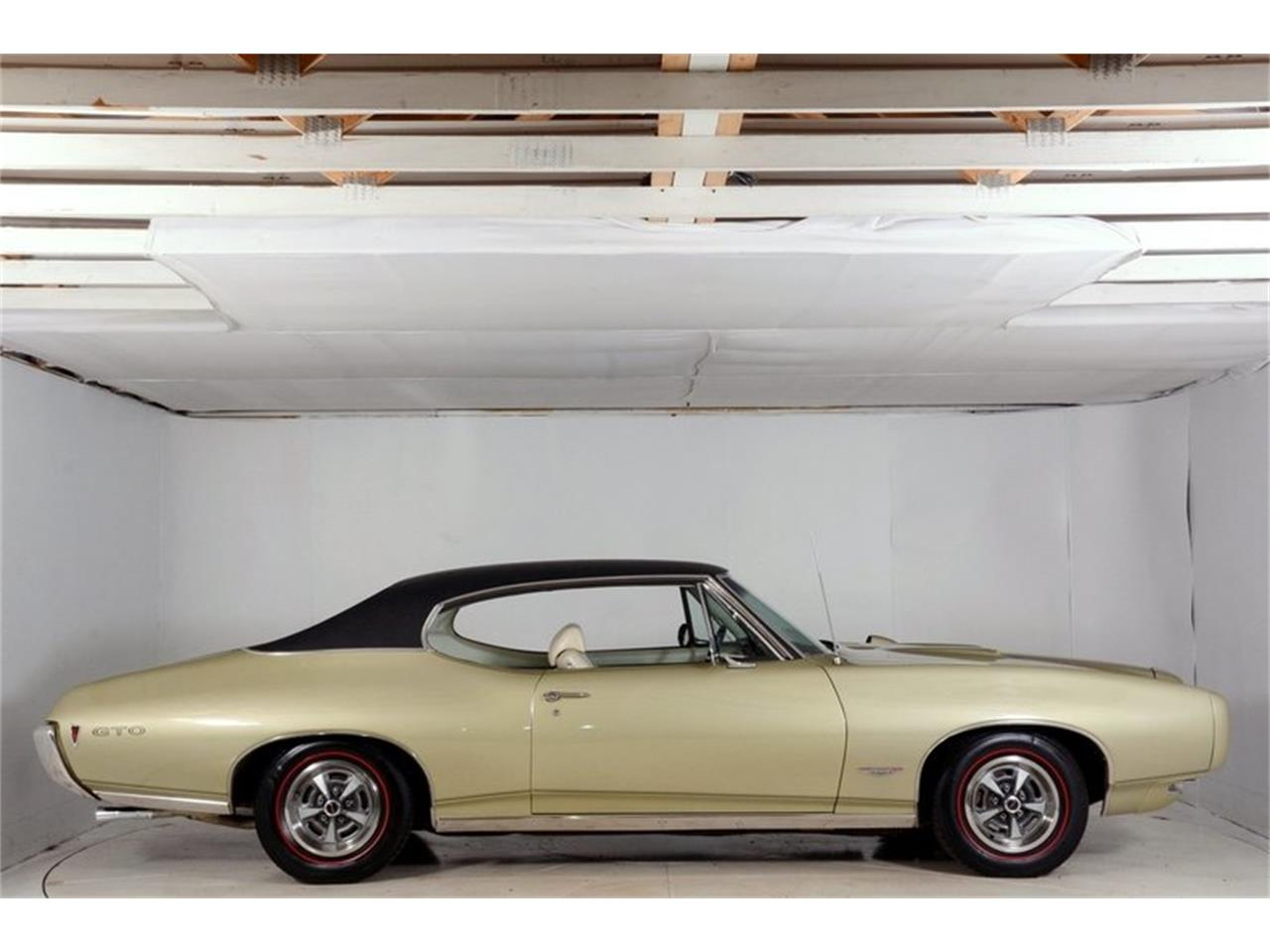 Large Picture of '68 GTO - $38,998.00 Offered by Volo Auto Museum - LHHG