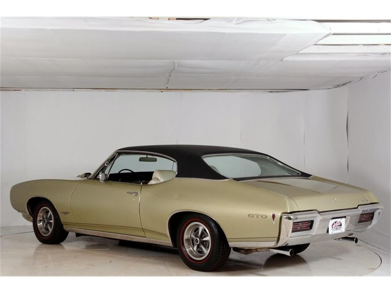 Large Picture of Classic 1968 GTO Offered by Volo Auto Museum - LHHG