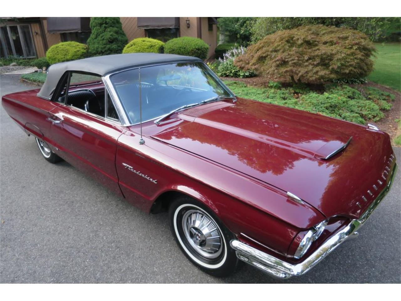 Large Picture of '64 Thunderbird Auction Vehicle - LHHL