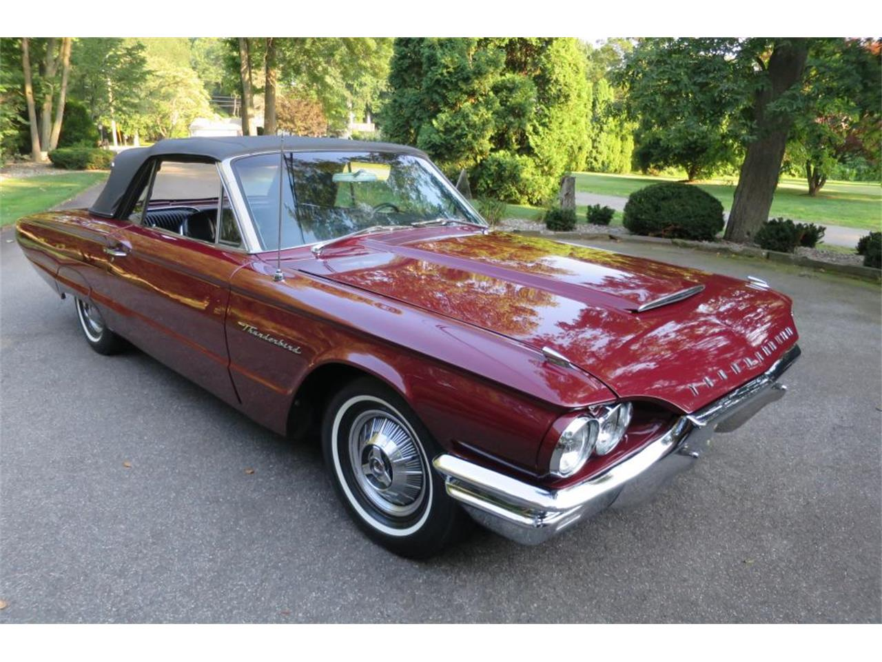 Large Picture of '64 Ford Thunderbird located in Connecticut - LHHL