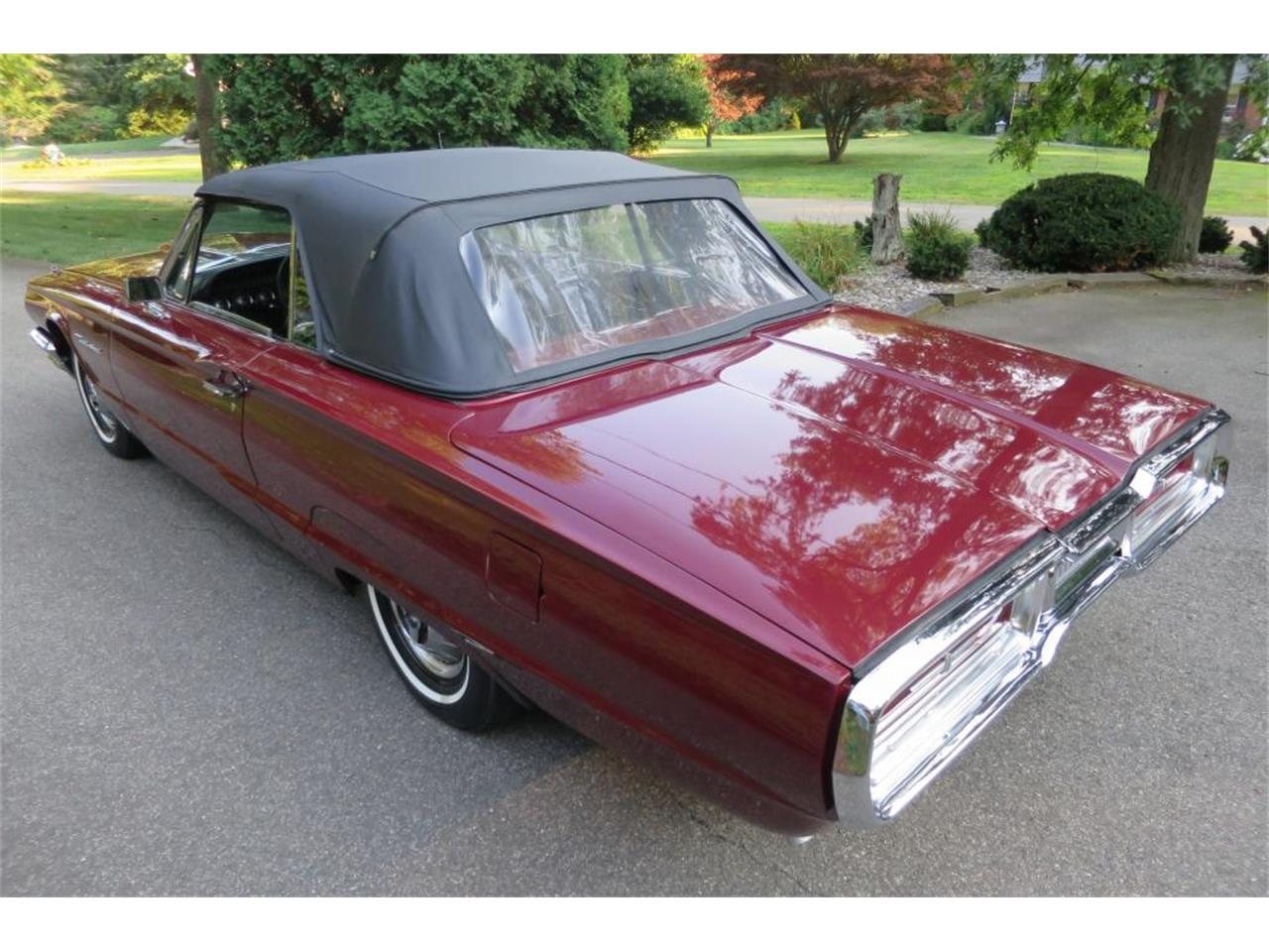Large Picture of Classic '64 Thunderbird located in Milford City Connecticut Auction Vehicle - LHHL