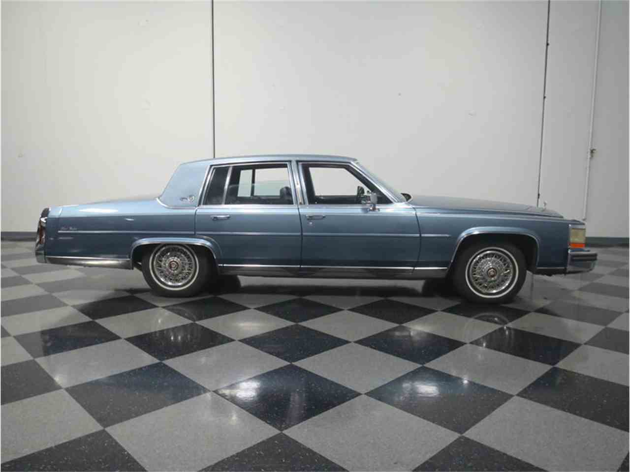 Large Picture of 1986 Cadillac Fleetwood Brougham Offered by Streetside Classics - Atlanta - LHHW
