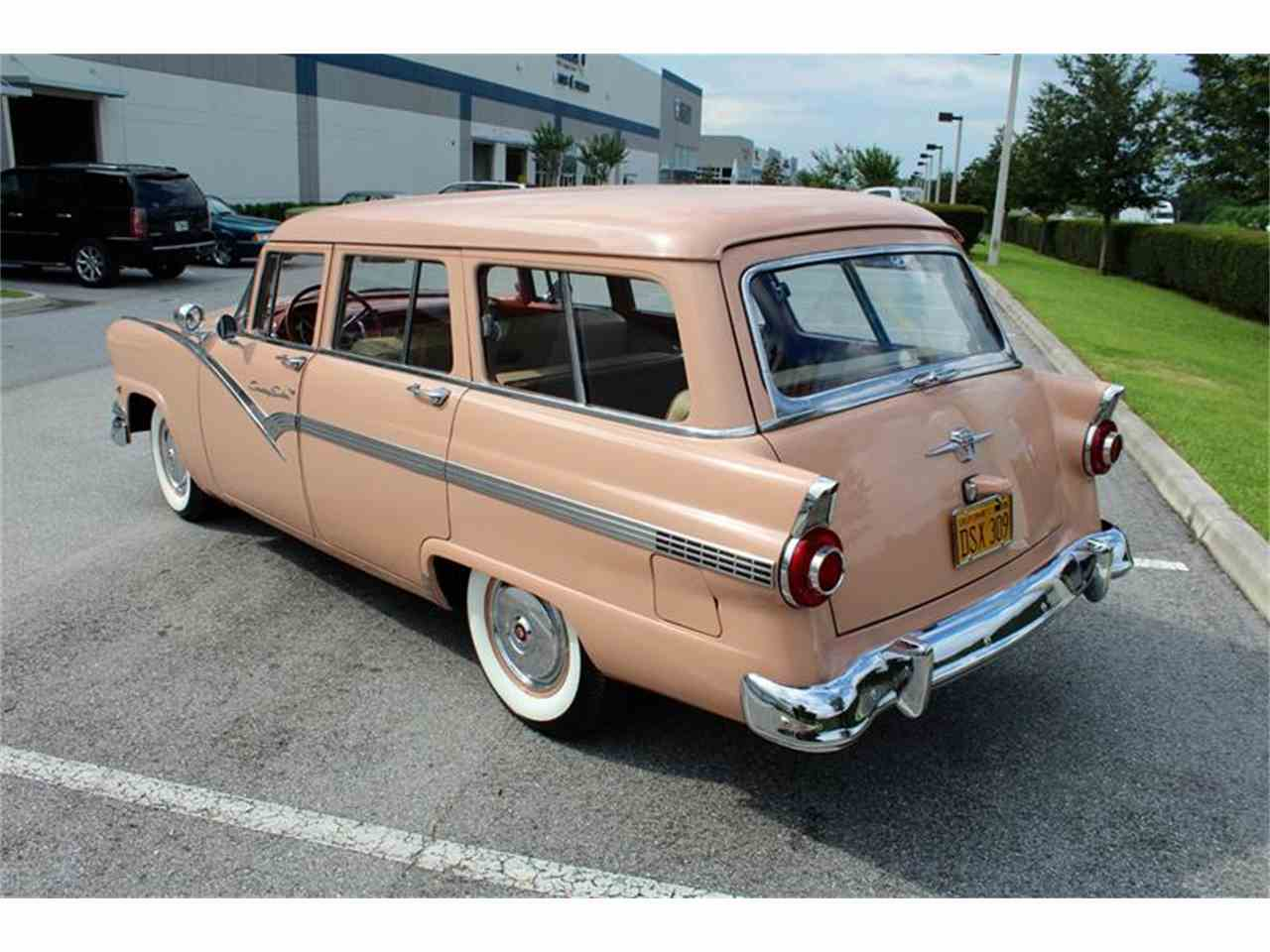 Large Picture of Classic '56 Ford Station Wagon located in Sarasota Florida - LHIN