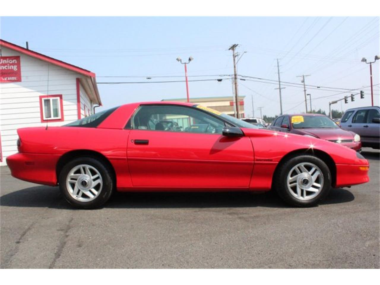 Large Picture of '94 Chevrolet Camaro located in Lynnwood Washington - $5,995.00 Offered by Carson Cars - LHJ2