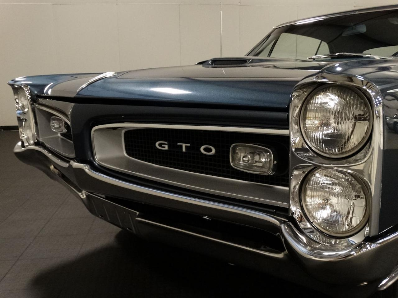 Large Picture of '66 Pontiac GTO - LHK2