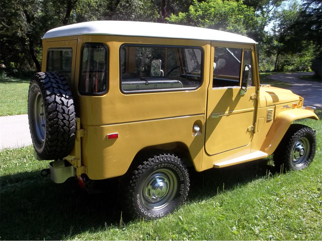 Large Picture of 1971 Toyota FJ Cruiser located in Algonquin Illinois - LHLK